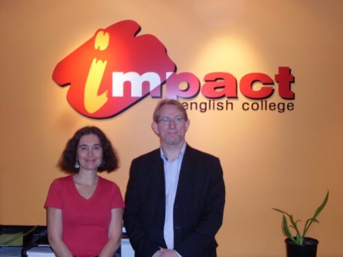 Cyrille Marshall en visite à Melbourne avec Chris Burgess, directeur de l'école Impact
