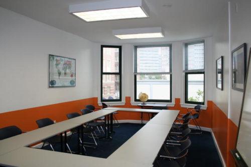 Une classe dans l'école EC à Boston